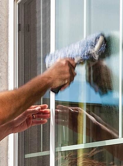 Window cleaning services, commercial, residential, villa, condo and vacation from HH Cleaning Hilton Head.